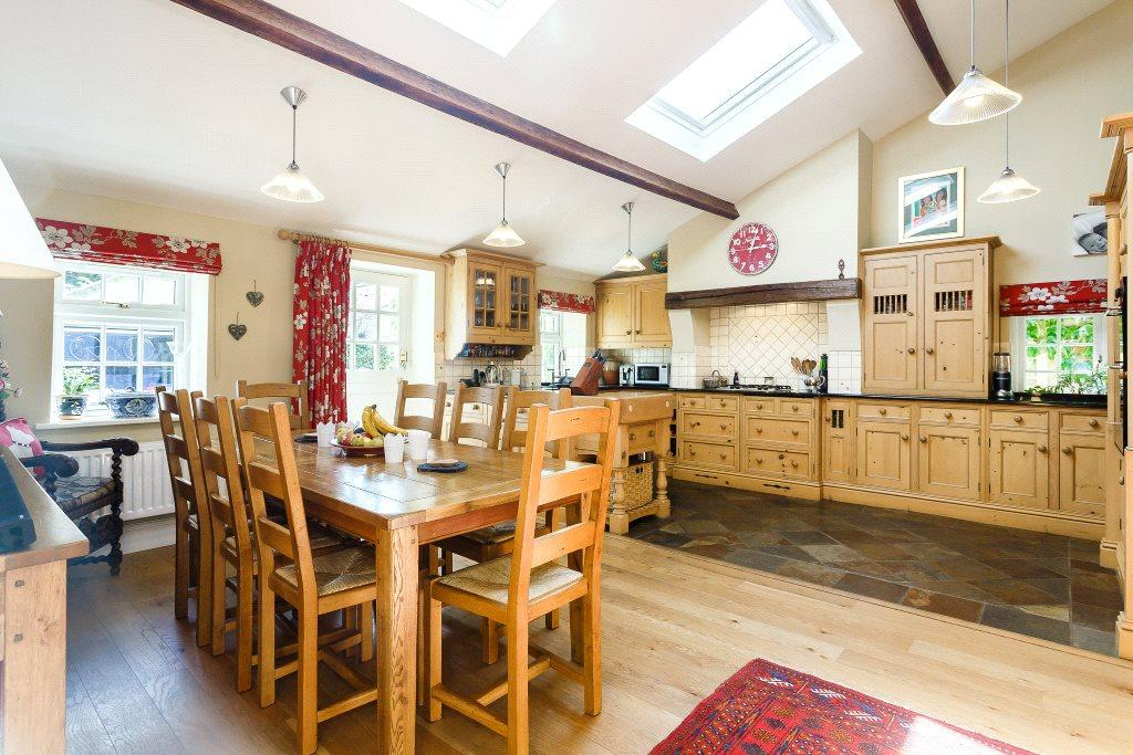 4 Bedrooms House for sale in Rosengarth, Main Street, Kirk Deighton, Wetherby, LS22