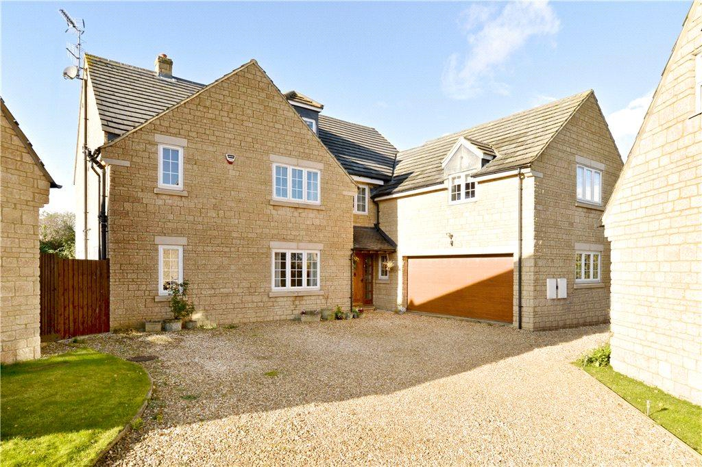 6 Bedrooms Detached House for sale in Greenacre Drive, Rushden, Northamptonshire