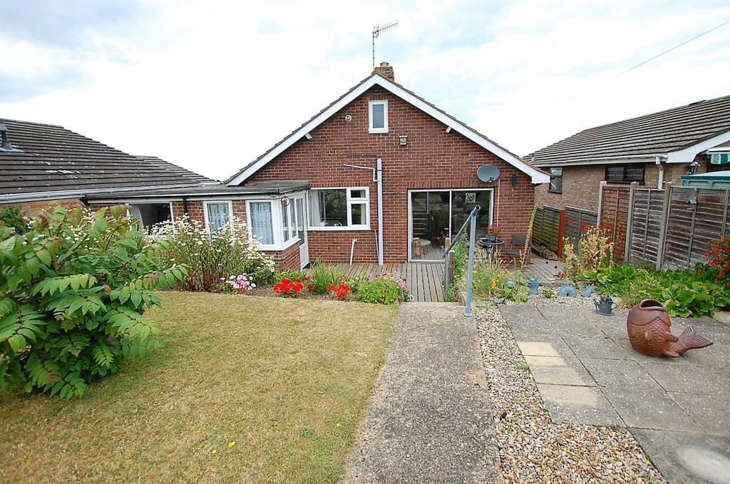 2 Bedrooms Detached Bungalow for sale in Clifton Park, Cromer