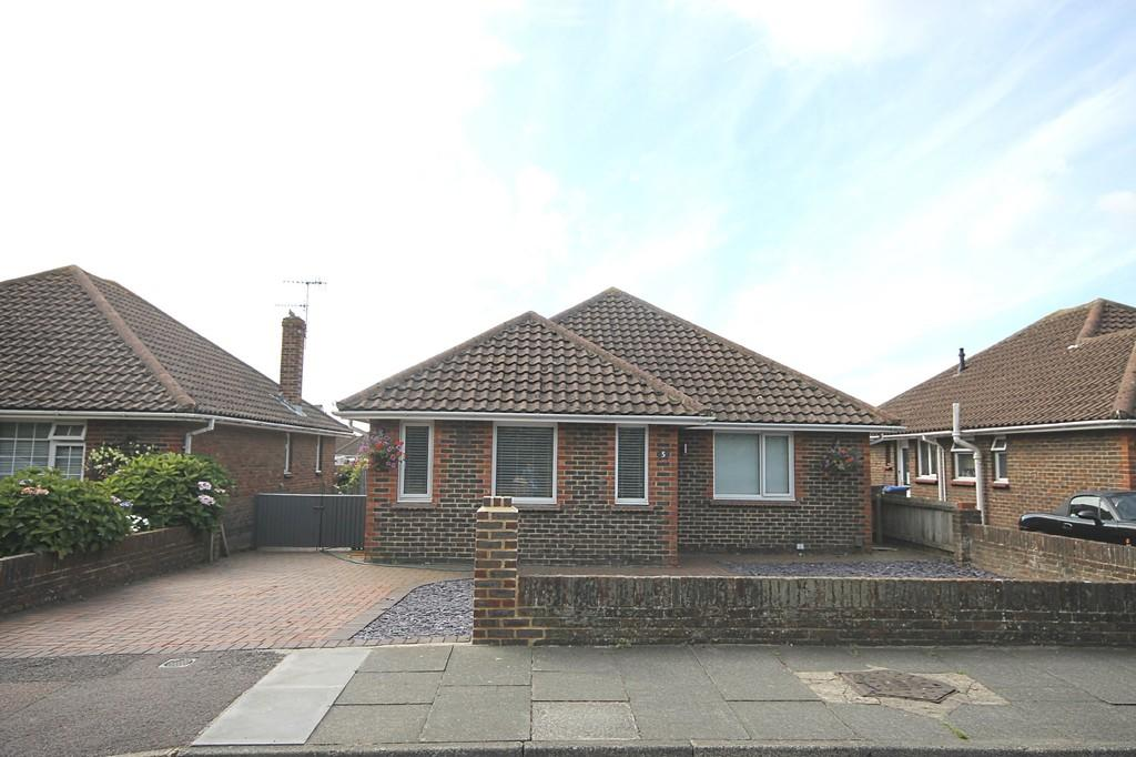 3 Bedrooms Detached Bungalow for sale in Kingston Way, Shoreham-by-Sea