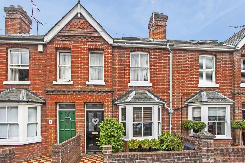 3 Bedrooms Terraced House for sale in Fairfield Road, Fulflood, SO22