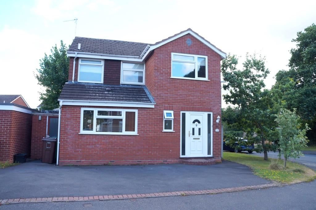3 Bedrooms Detached House for sale in Saxon Wood Road, Cheswick Green