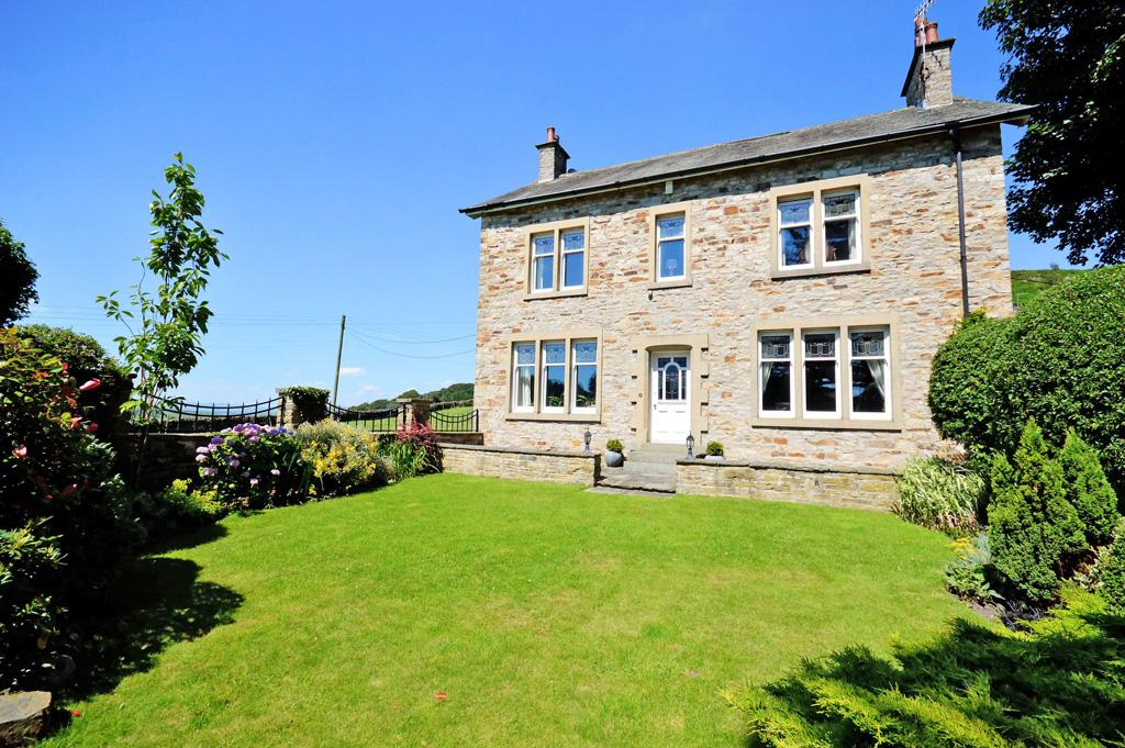 5 Bedrooms Detached House for sale in Pinfold House, Main Street, High Farnhill