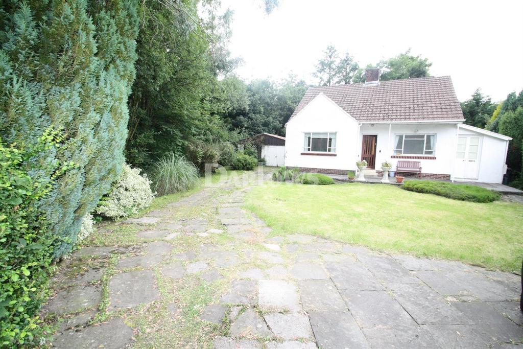 2 Bedrooms Bungalow for sale in Rassau Road, Rassau, Ebbw Vale, Gwent