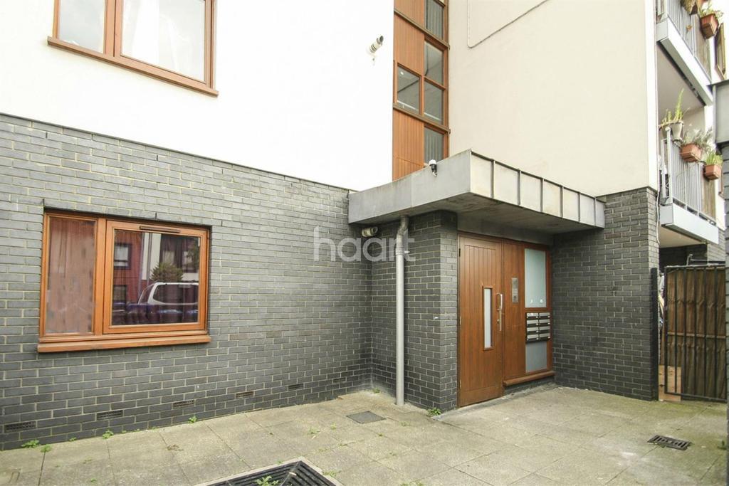 3 Bedrooms Flat for sale in Windrush Road, Harlesden