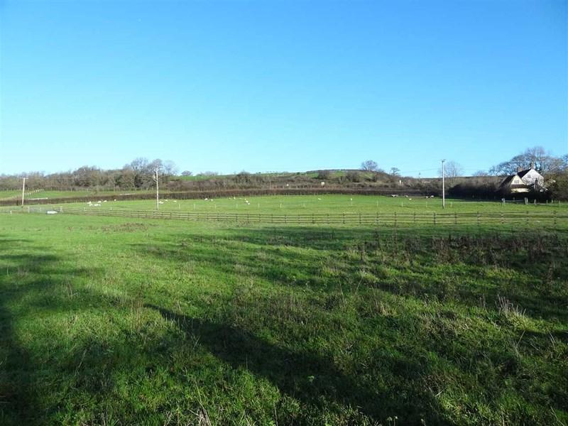Land Commercial for sale in Huntingford, Charfield
