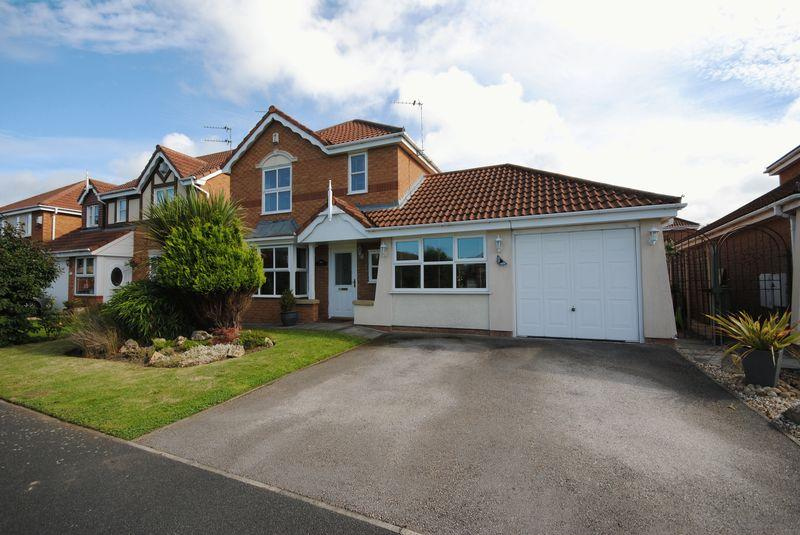 4 Bedrooms Detached House for sale in Cheltenham Crescent, Moreton