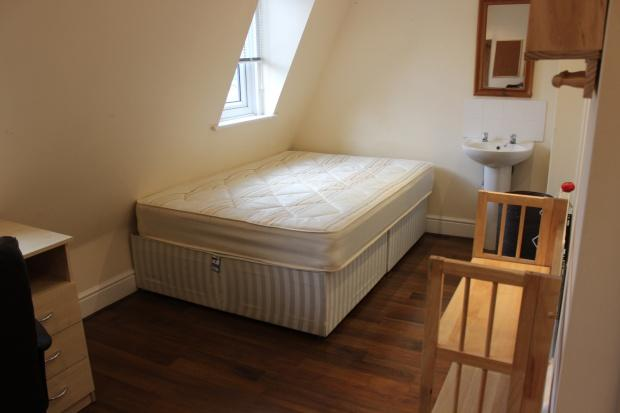 5 Bedrooms Maisonette Flat