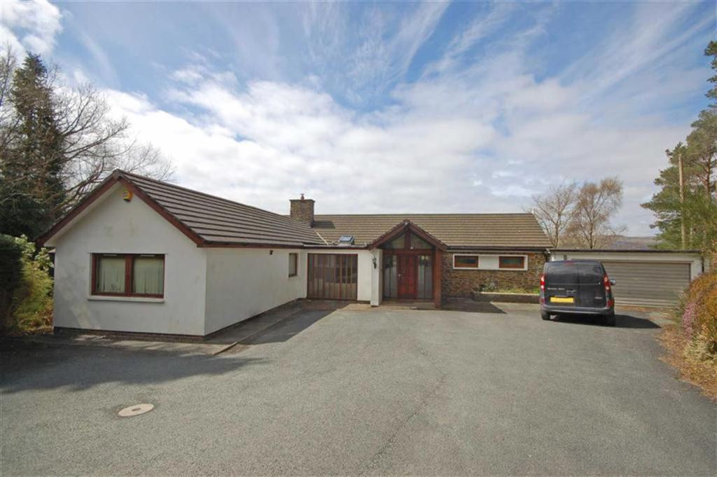 4 Bedrooms Detached Bungalow for sale in Angorfa, Coed Y Garth, Machynlleth, SY20