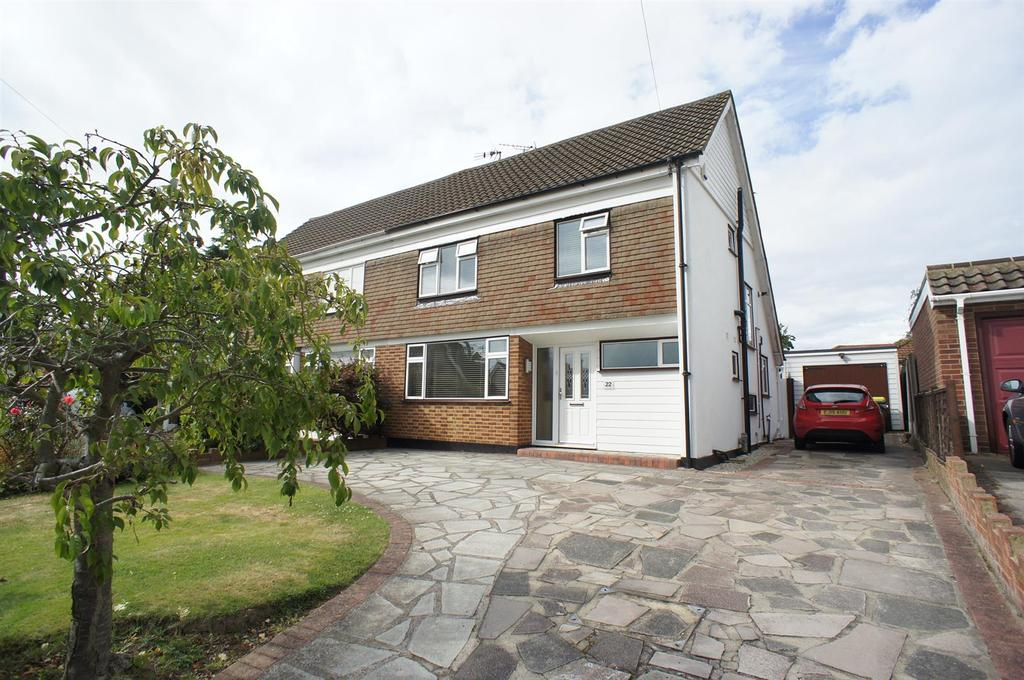 3 Bedrooms Semi Detached House for sale in Kingswood Crescent, Rayleigh