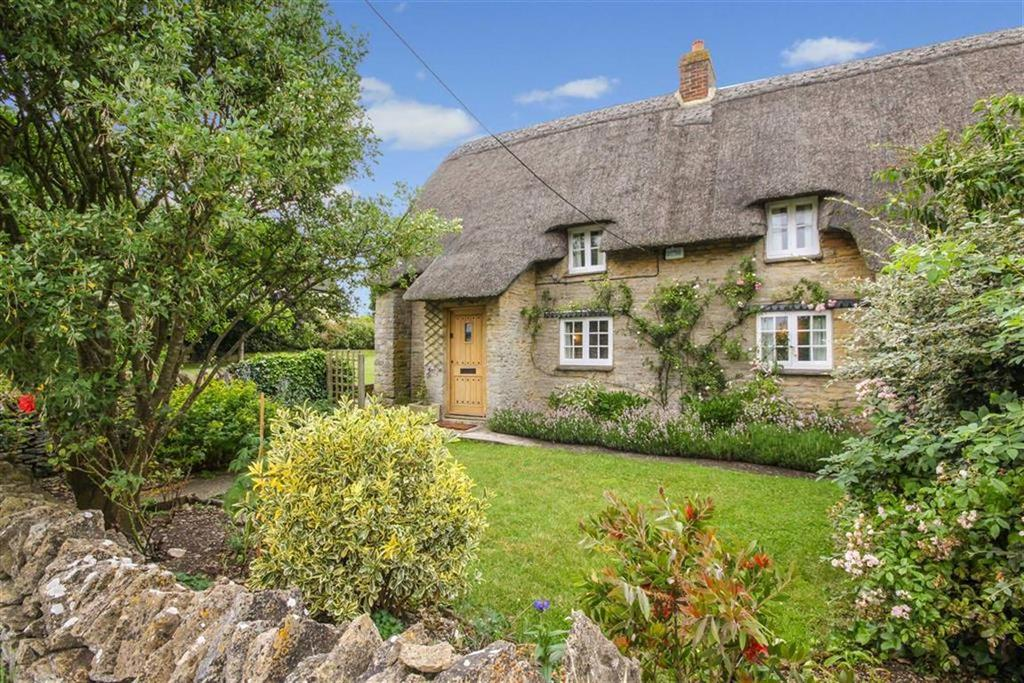 3 Bedrooms Cottage House for sale in Chapel Hill, Brize Norton, Oxfordshire