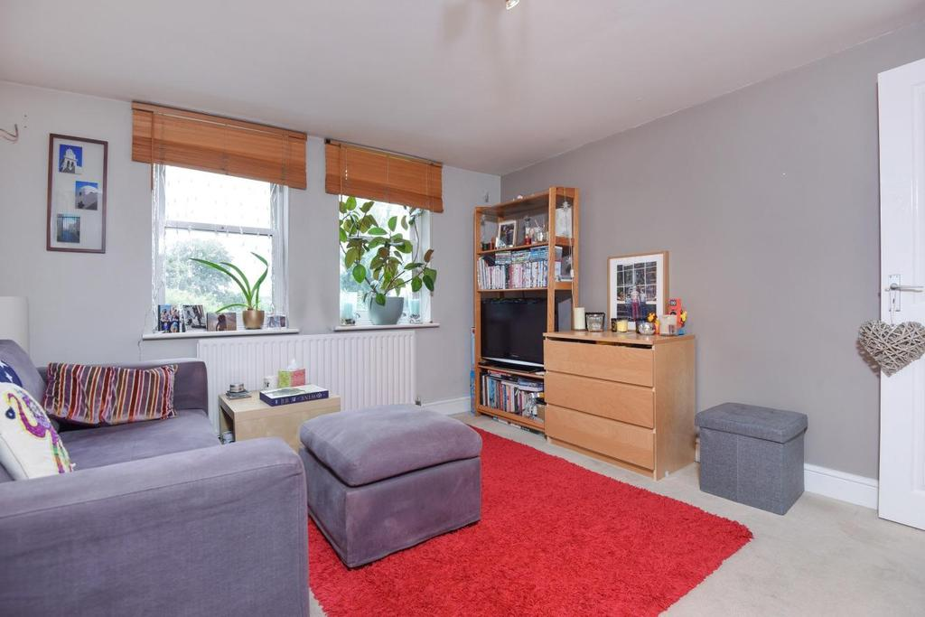1 Bedroom Flat for sale in Longley Road, Tooting, SW17