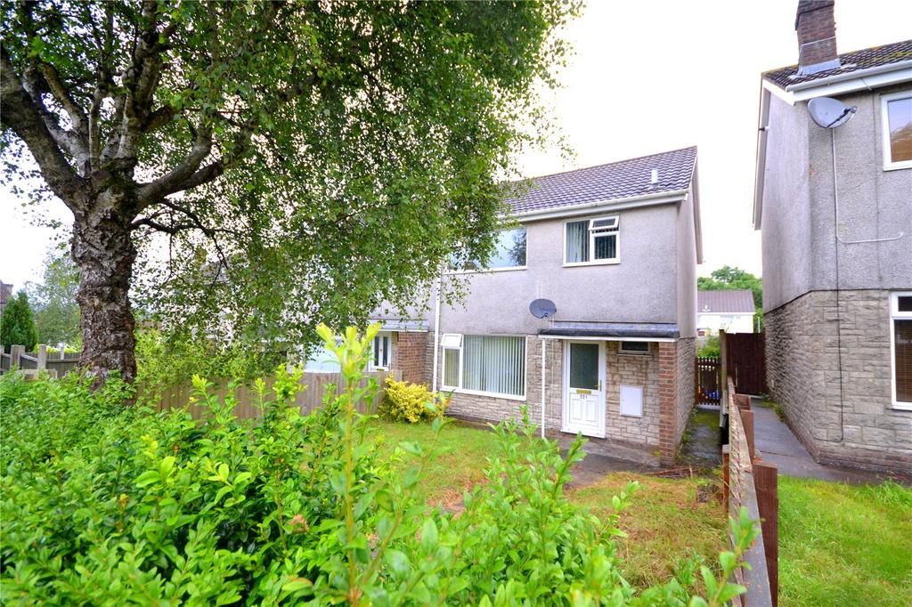 3 Bedrooms Semi Detached House for sale in Glyn Eiddew, Cardiff, CF23