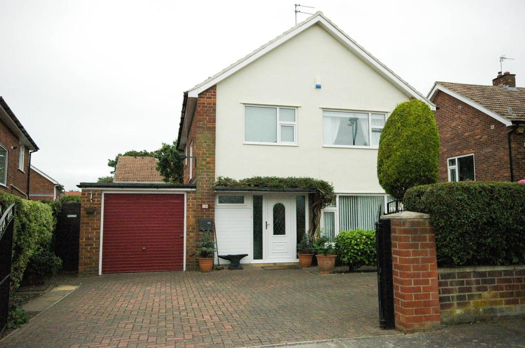4 Bedrooms Detached House for sale in Heather Close, Cleadon