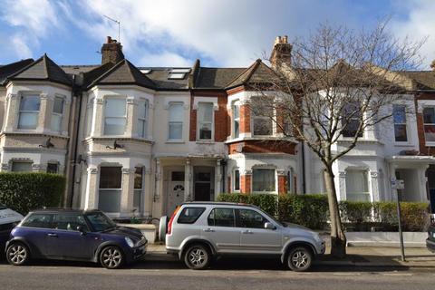 2 bedroom flat to rent - Elspeth Road, Battersea, SW11
