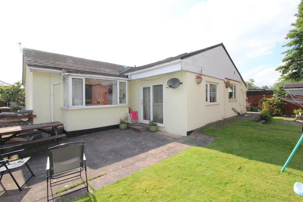 4 Bedrooms Detached Bungalow for sale in Teall Street, Ossett