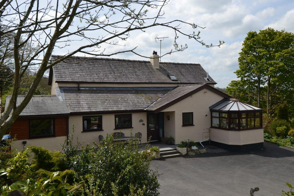 3 Bedrooms Equestrian Facility Character Property for sale in Cricor Pentre Celyn, Ruthin