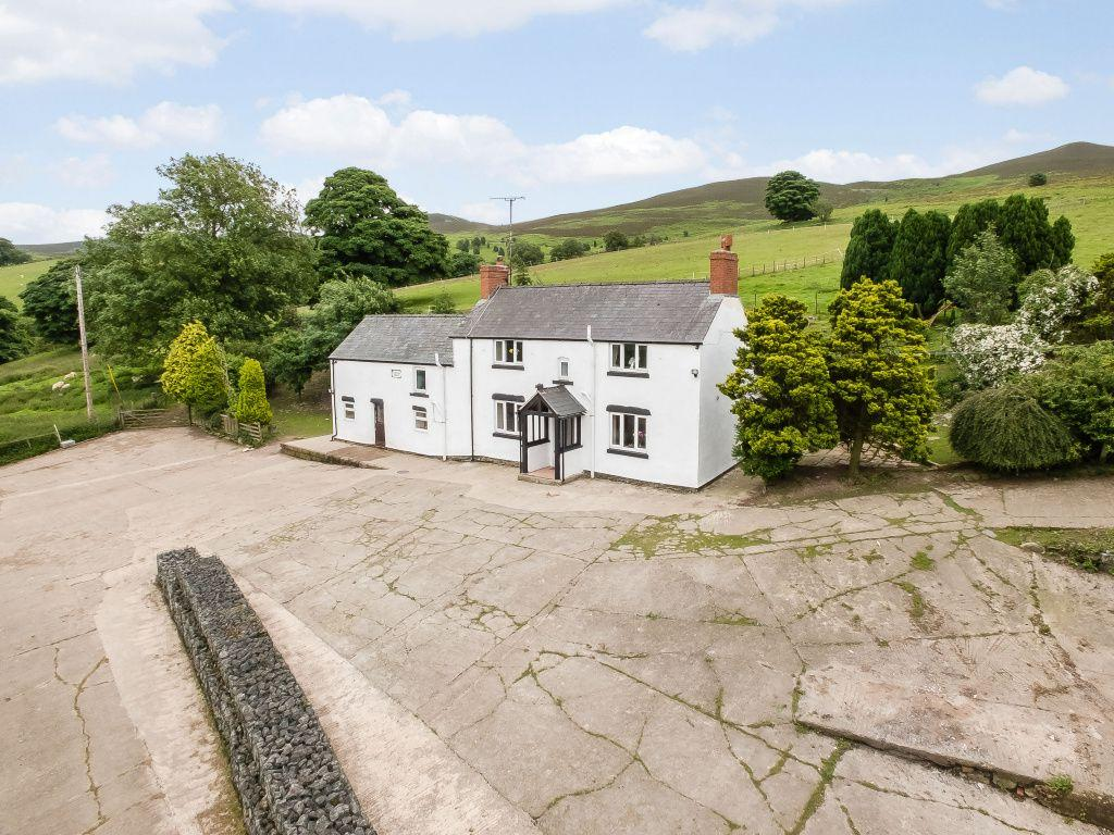 4 Bedrooms Farm House Character Property for sale in Tan Y Foel, Corwen