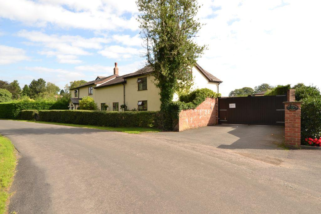 4 Bedrooms Equestrian Facility Character Property for sale in Boothbank Lane, Altrincham