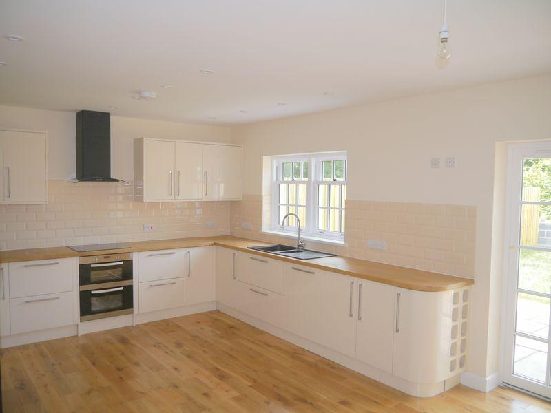 3 Bedrooms Terraced House for sale in Station Road, Wrington