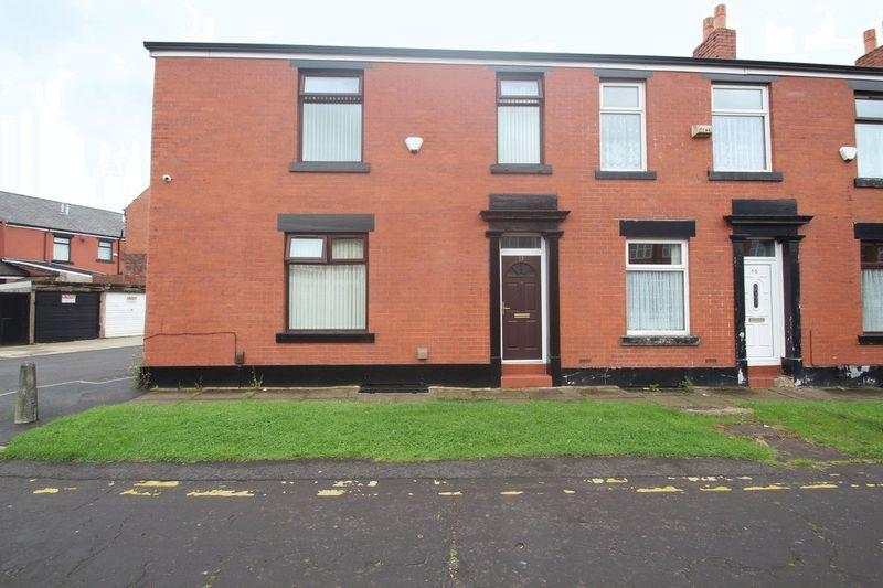 5 Bedrooms Terraced House for sale in Park Road, Rochdale OL12 9BJ
