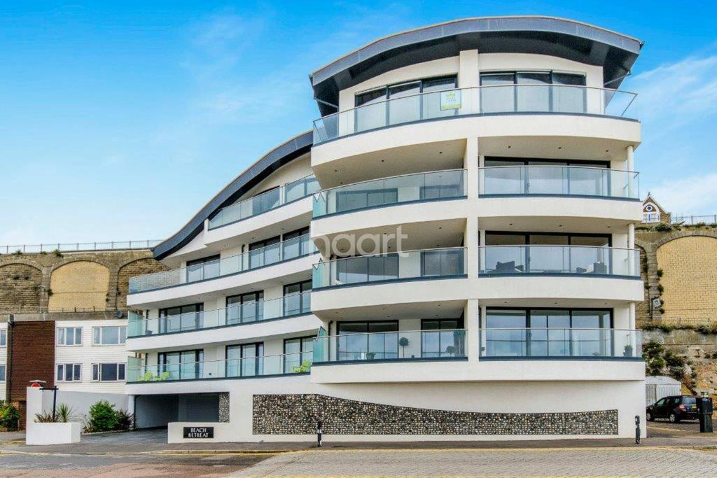 2 Bedrooms Flat for sale in Marina Esplanade, Ramsgate Beach, Ramsgate, CT11