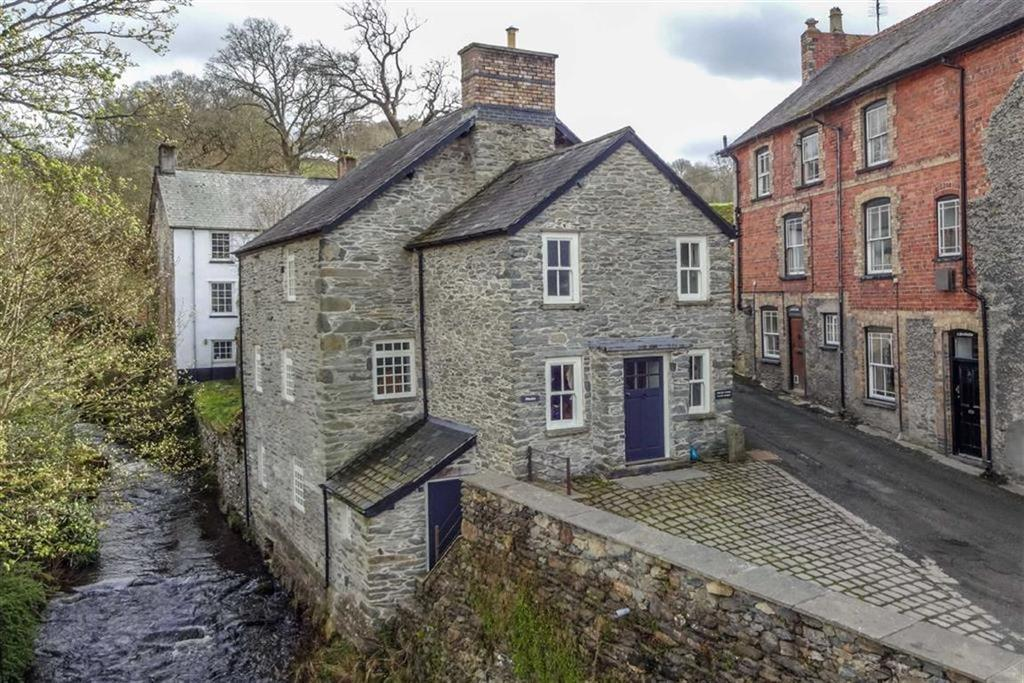 4 Bedrooms Detached House for sale in Cynwyd, Corwen