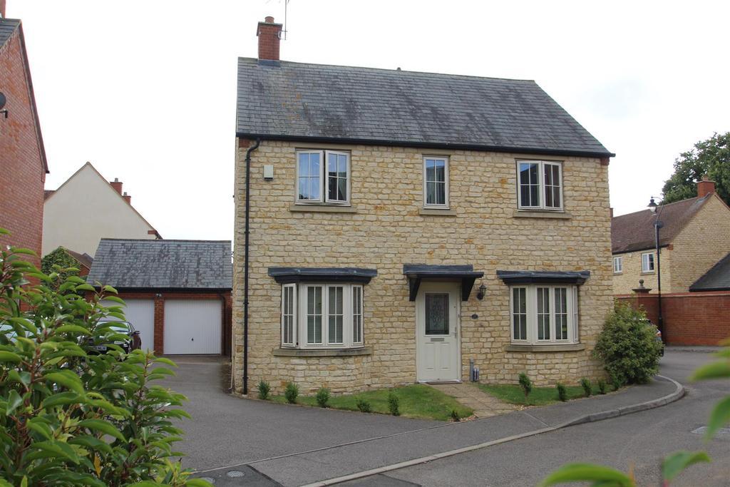 4 Bedrooms House for sale in Bridge Walk, Deanshanger, Milton Keynes