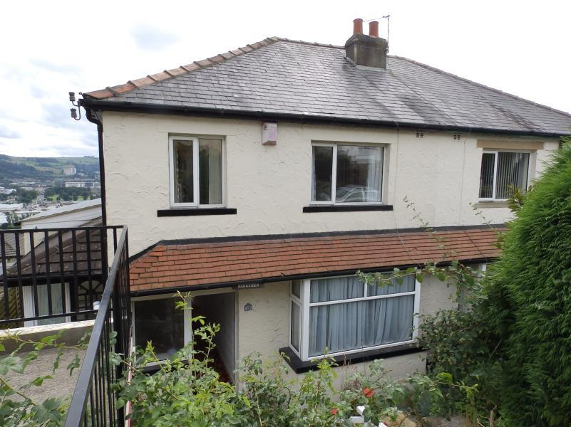 3 Bedrooms Semi Detached House for sale in MALVERN CRESCENT, RIDDLESDEN, KEIGHLEY, BD20 5DL