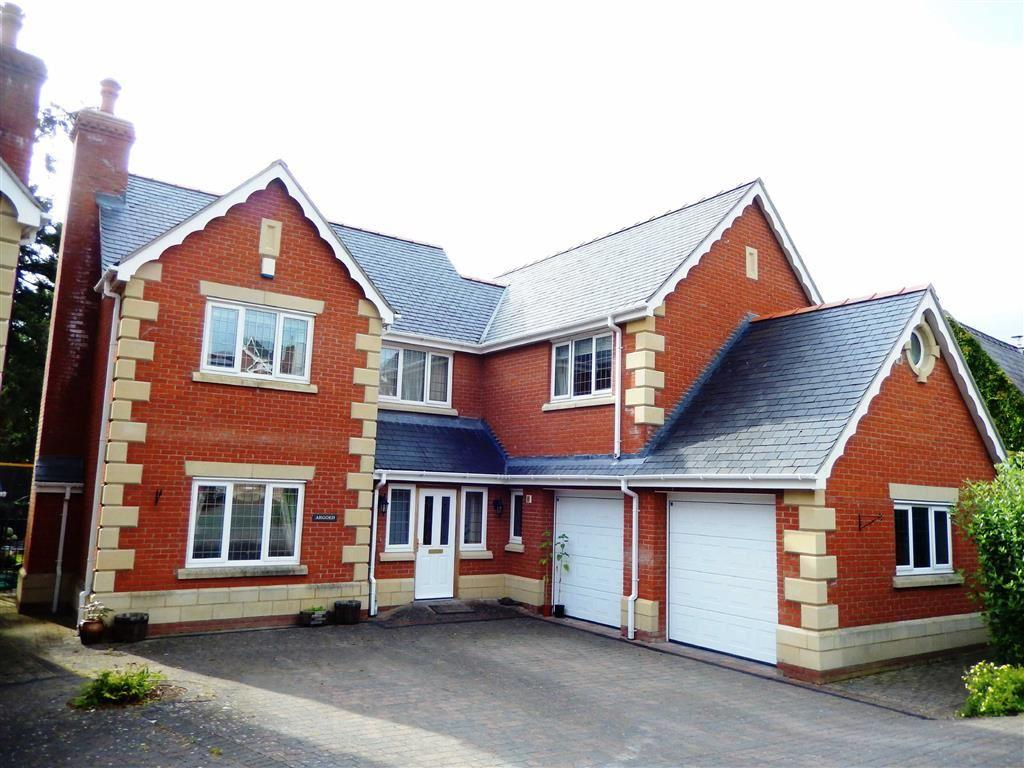 4 Bedrooms Detached House for sale in Pentre Park, Leighton, SY21