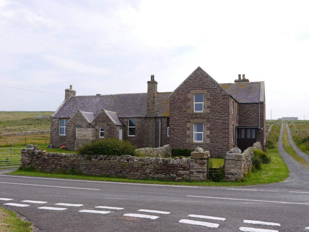 3 Bedrooms Detached House for sale in South School House, Sanday, Orkney