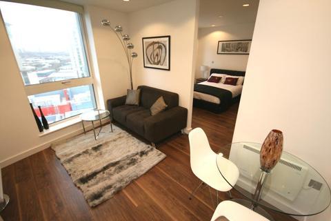 1 bedroom flat to rent - TheHeart, MediaCityUK, Salford Quays, M50