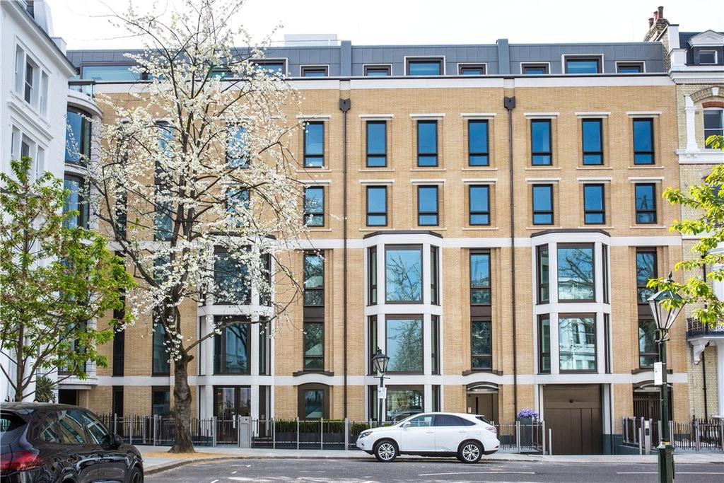 4 Bedrooms Flat for sale in Vicarage Gate House, Vicarage Gate, Kensington, London, W8