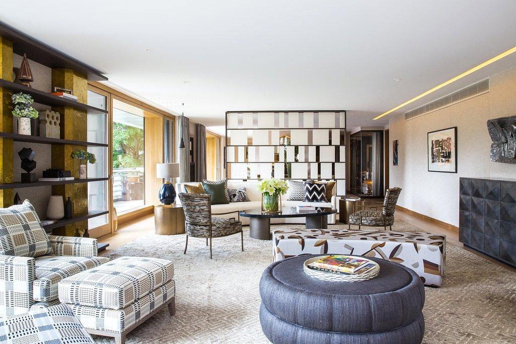 4 Bedrooms Flat for sale in Vicarage Gate House, Vicarage Gate, Kensington, London, W8