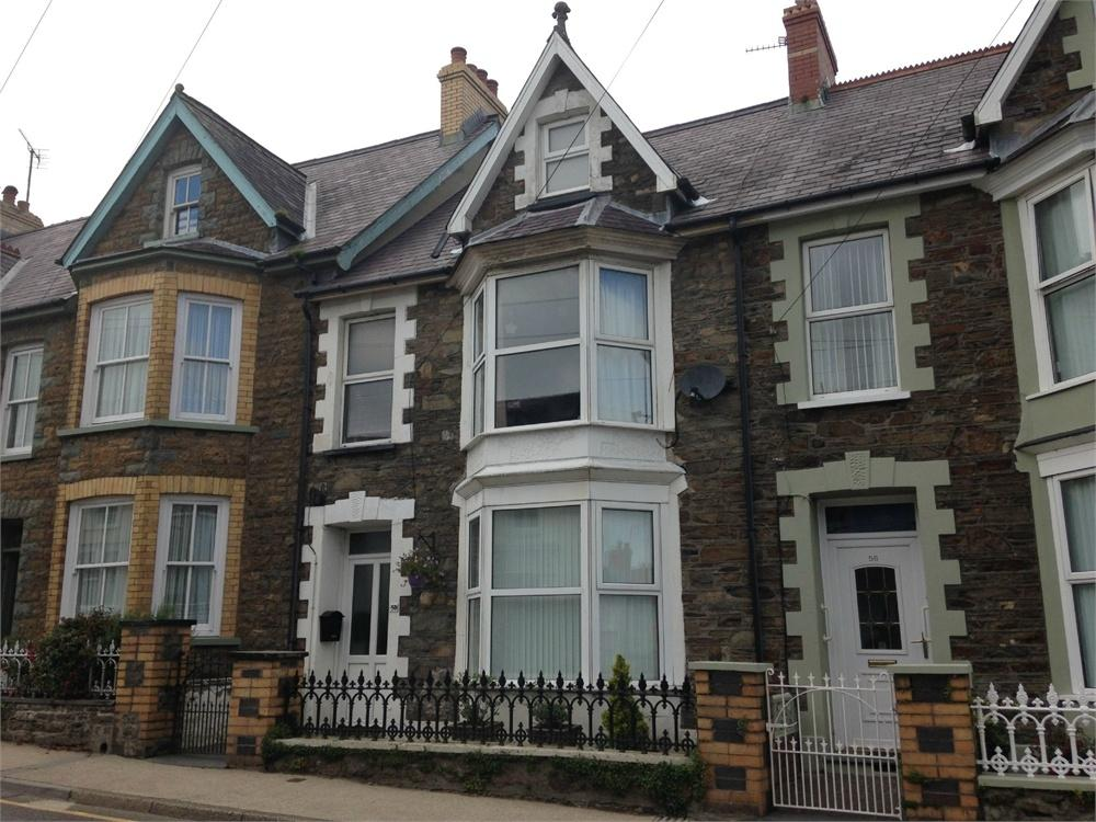 4 Bedrooms Terraced House for sale in 58 High Street, Fishguard, Pembrokeshire