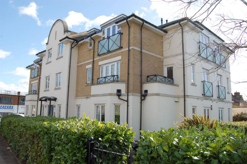 2 Bedrooms Apartment Flat for sale in Roding Lane, Buckhurst Hill, IG9