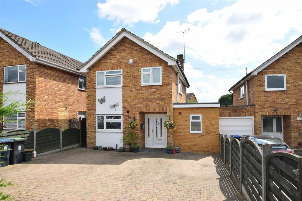 3 Bedrooms Detached House for sale in Stomp Road, Burnham, SL1