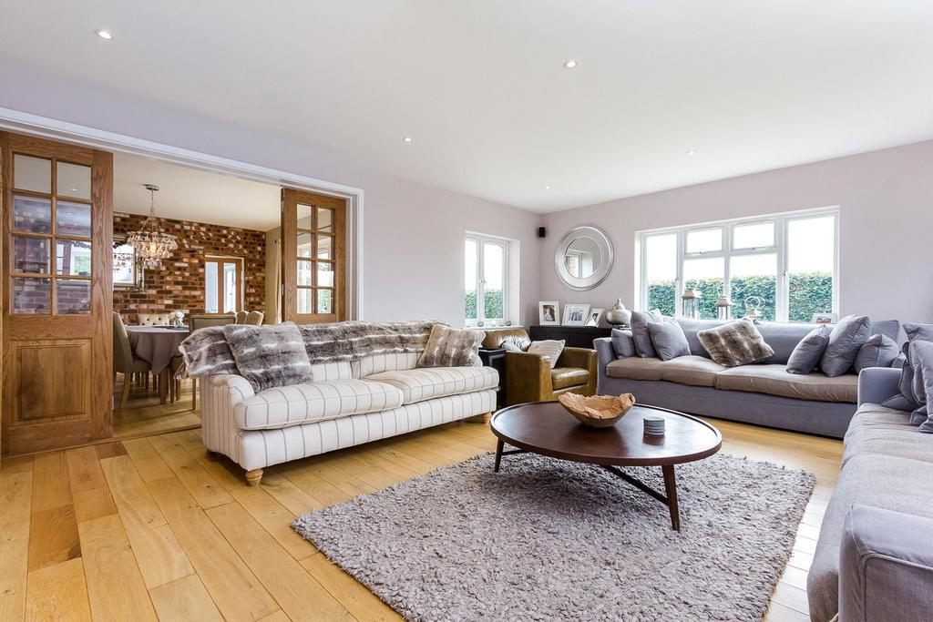 4 Bedrooms Detached House for sale in West Flexford Lane, Wanborough, Guildford, Surrey