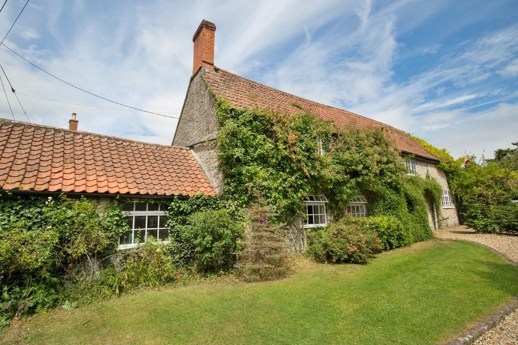 4 Bedrooms Detached House for sale in High Street, Butleigh