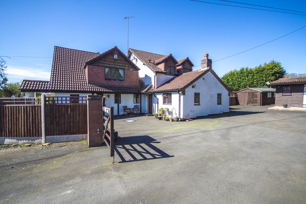 4 Bedrooms Detached House for sale in Button Oak, Kinlet, Bewdley