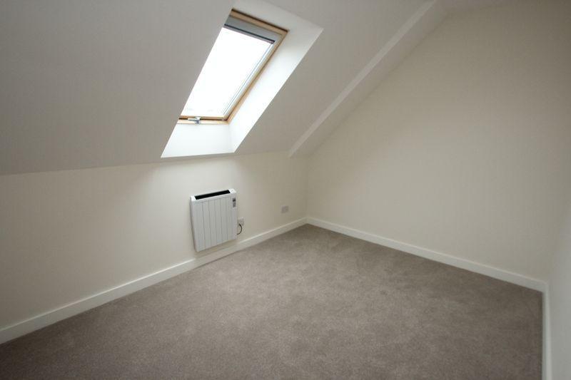 Medway Wharf Road Tonbridge 1 Bed Apartment 163 795 Pcm 163