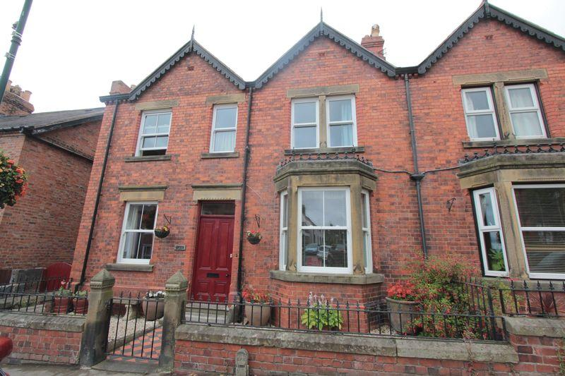 5 Bedrooms Semi Detached House for sale in Market Street, Ruthin