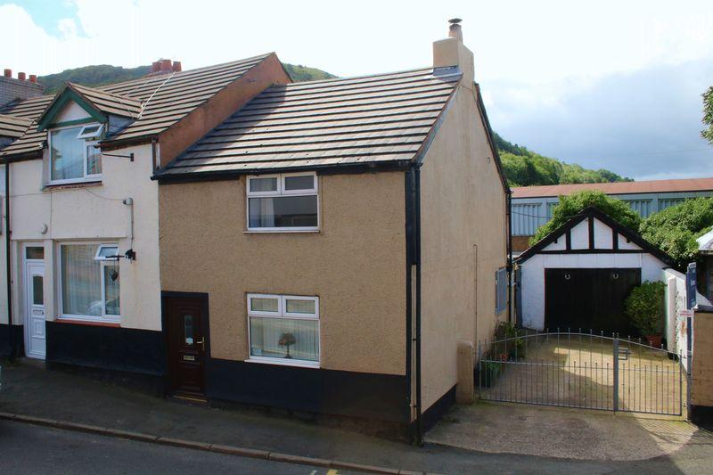 2 Bedrooms Semi Detached House for sale in High Street, Dyserth