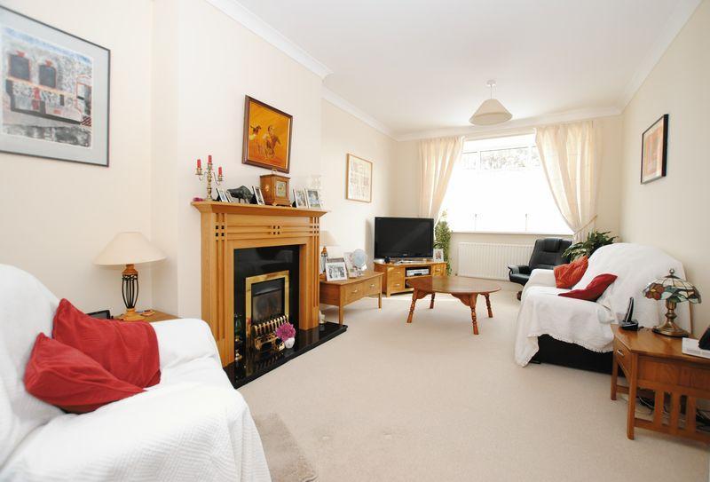 2 Bedrooms Semi Detached Bungalow for sale in Callington Road, Saltash