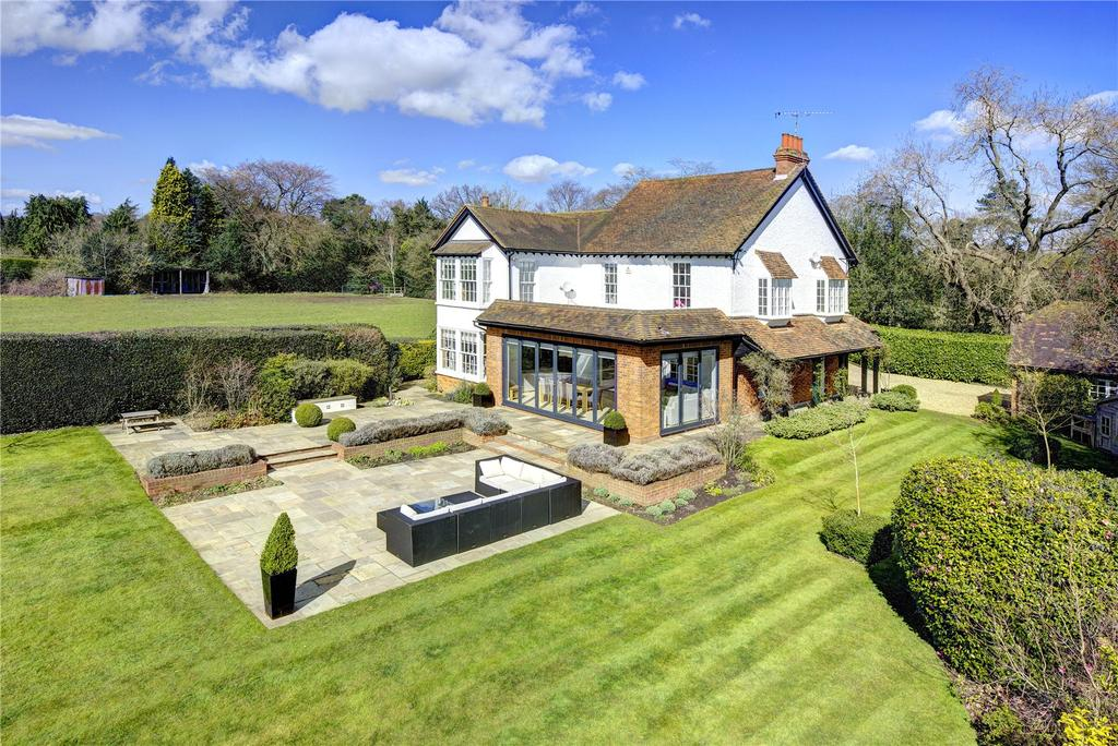 5 Bedrooms Unique Property for sale in Nottingham Road South, Heronsgate, Rickmansworth, Hertfordshire, WD3