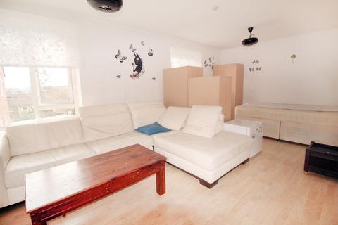 3 bedroom house share to rent - Cromwell House, Sydney Road, Muswell Hill, N10