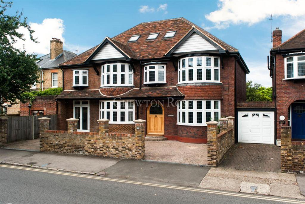 6 Bedrooms Detached House for sale in Windsor, Berkshire