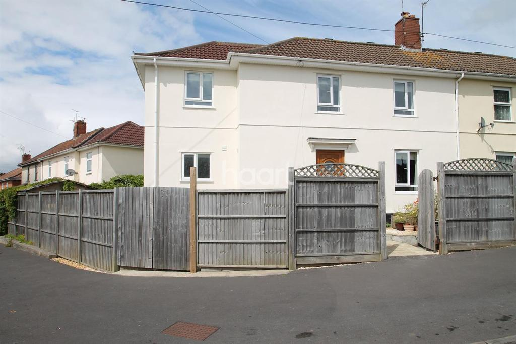 4 Bedrooms Semi Detached House for sale in Groveleaze