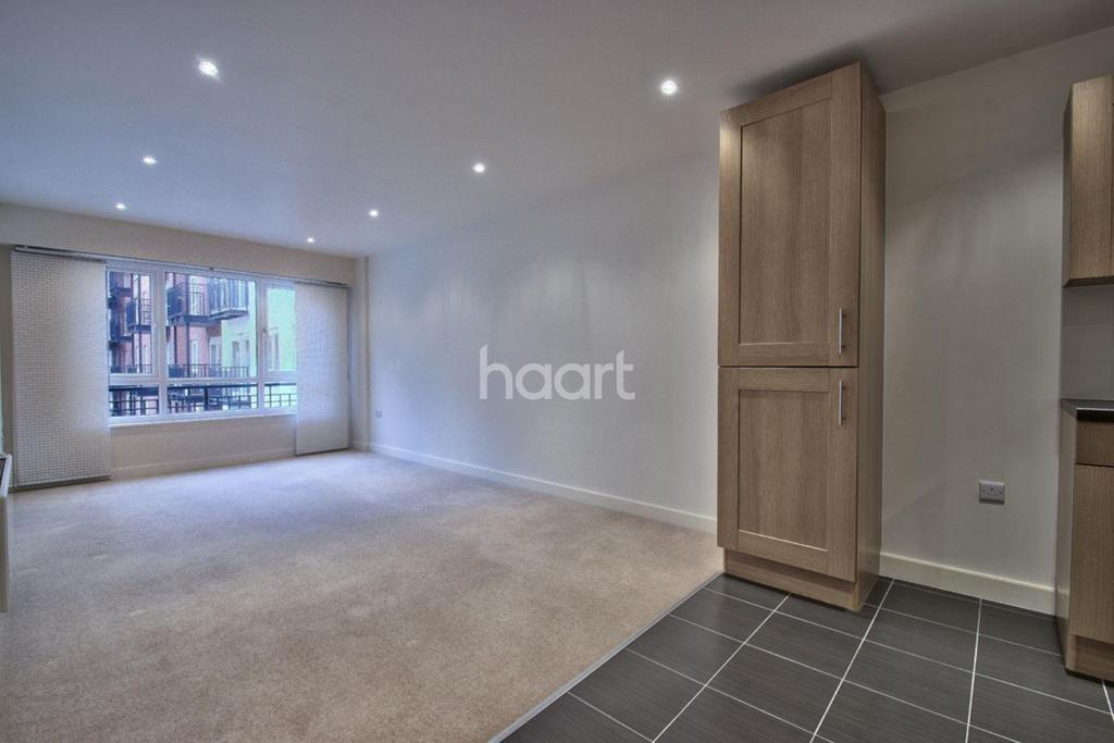 2 Bedrooms Flat for sale in Griffin House, NW9