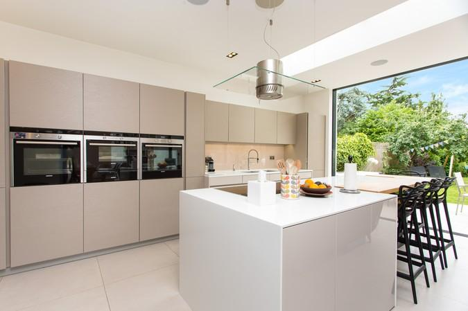 5 Bedrooms House for sale in Birch Grove, Acton